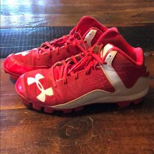 Under Armour baseball cleats size 6